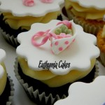 hand bag pink spots chocolate cupcakes vanilla butter cream