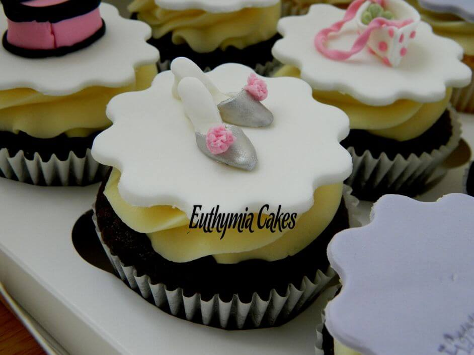Cake toppers Miniature slippers cupcake topper