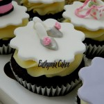 chocolate cupcakes vanilla butter cream slippers mini edible hand bag pink