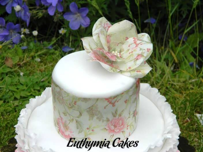 Cake toppers edible Wafer paper fantasy flower roses ruffles