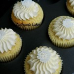vanilla cupcakes butter cream edible lace flowers