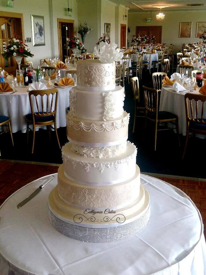 Exquisite award winning wedding cakes Milton Keynes Buckingham Wedding Fair 26th February 2017 Delapre Abbey