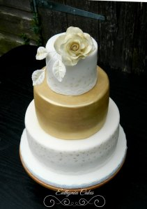 White and Gold chocolate Engagement cake with sugar flowers Milton Keynes Northampton