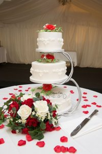 Vintage wedding cakes with royal icing and sugar flowers Milton Keynes Northampton London